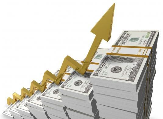 Dicas para viajar com o dólar em alta